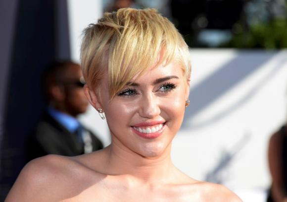 Miley Cyrus Posing Sexy For Wonderland Magazine - NuCelebs.com